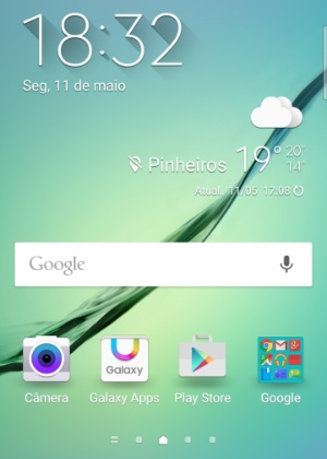 Interface da tela inicial do smartphone Galaxy S6 Edge, da Samsung